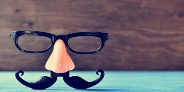 Picture of plastic glasses, nose and mustache