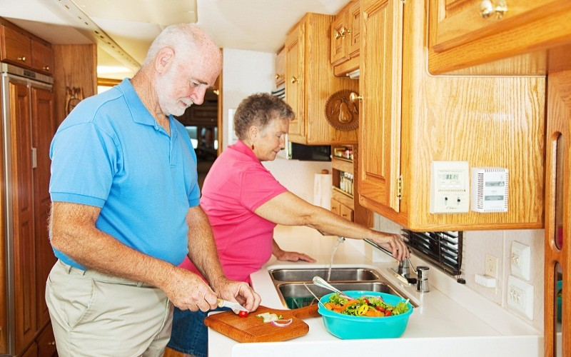 10 Tips for Cooking in Your RV Kitchen