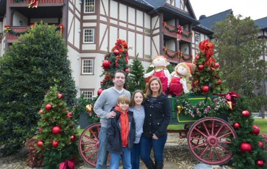 Family photo in the Christmas spirit of Pigeon Forge [Photo Credit: Pigeon Forge Dept of Tourism]