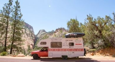 Image for News Blip: Utah Couple Tours Campgrounds